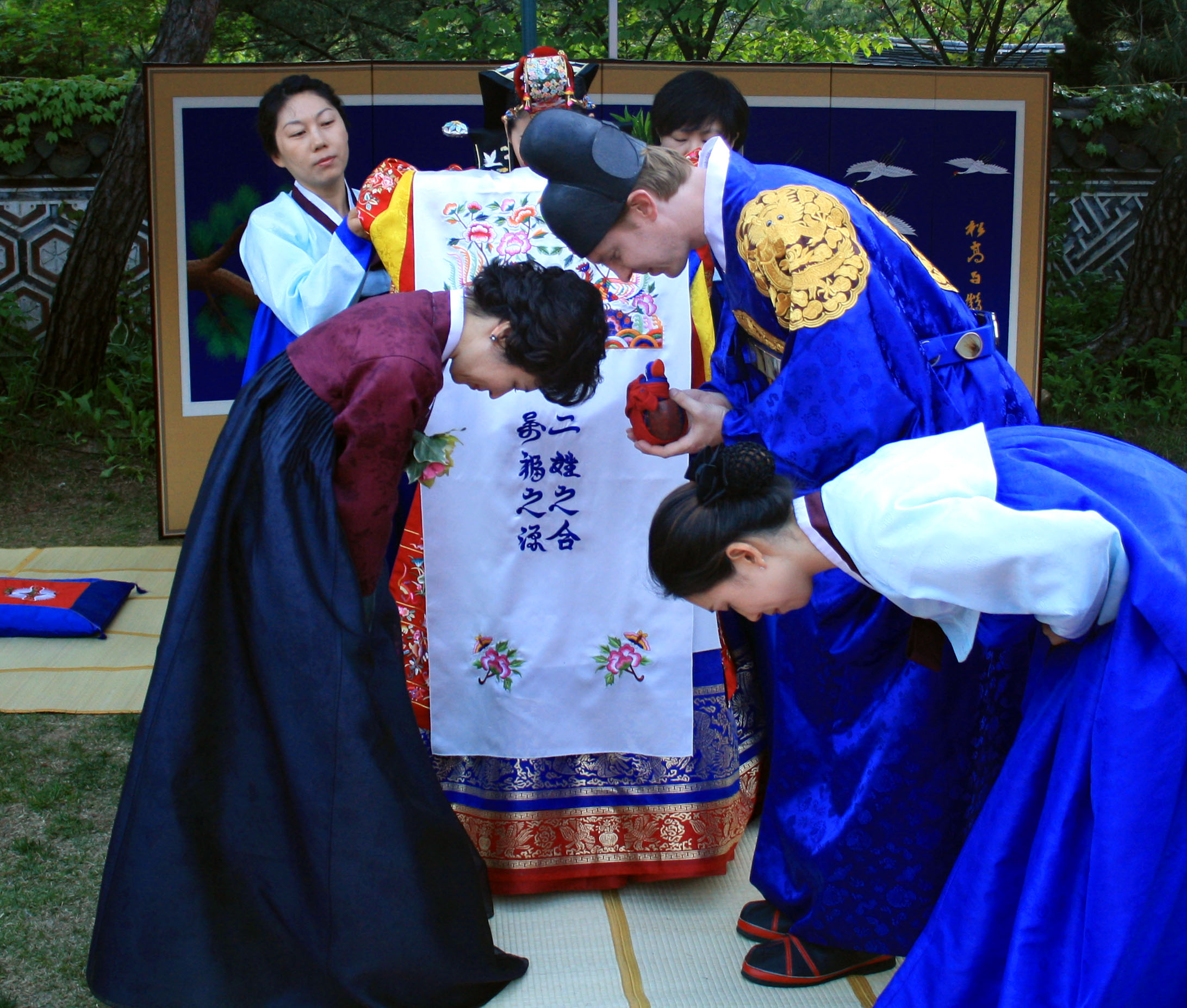 korean traditions Marriage is a big affair in korea, as it is in the rest of the world too but what  makes the marriages unique are the korean wedding traditions.